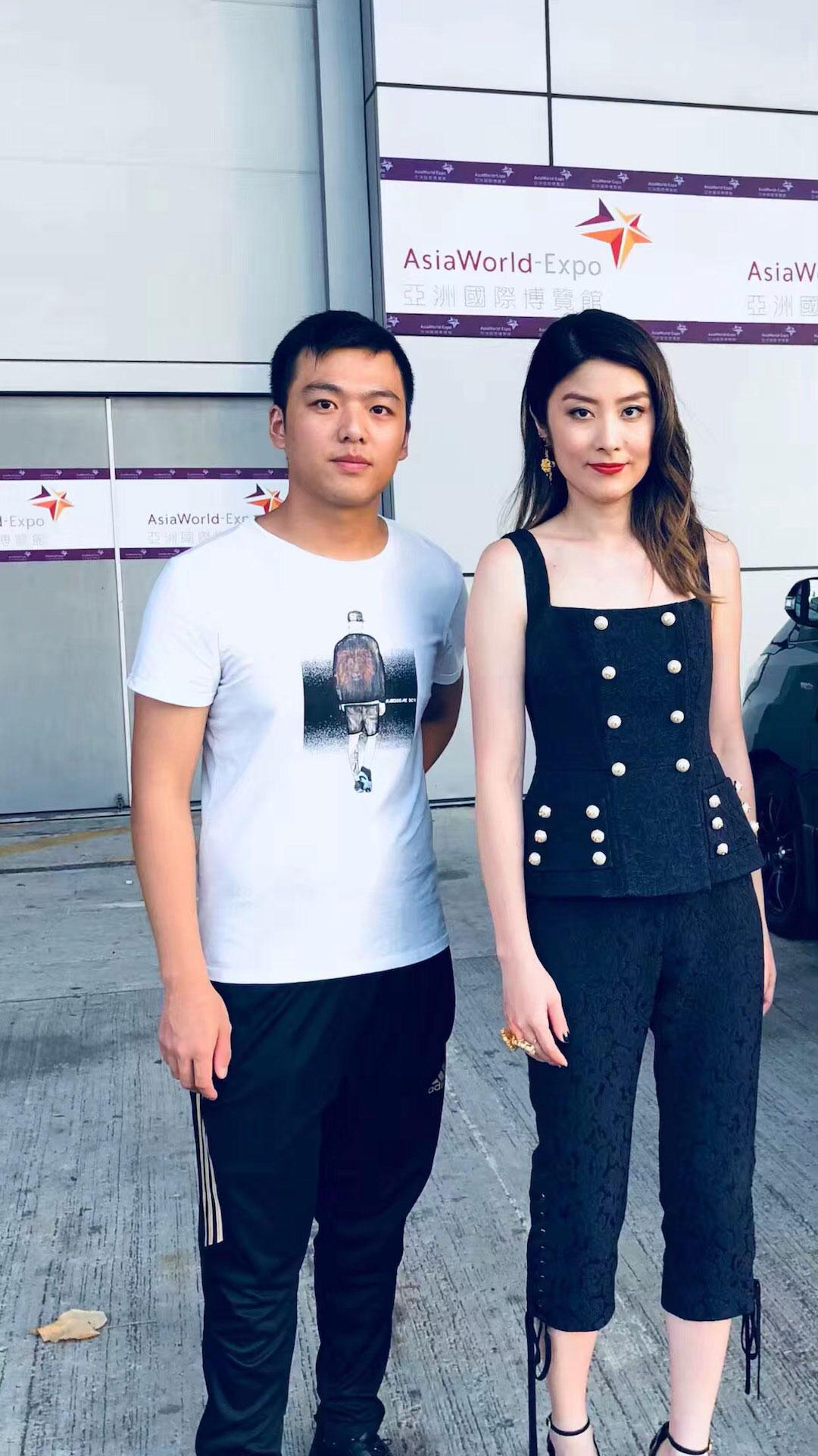 上海明星吴昕经纪公司星灿传媒