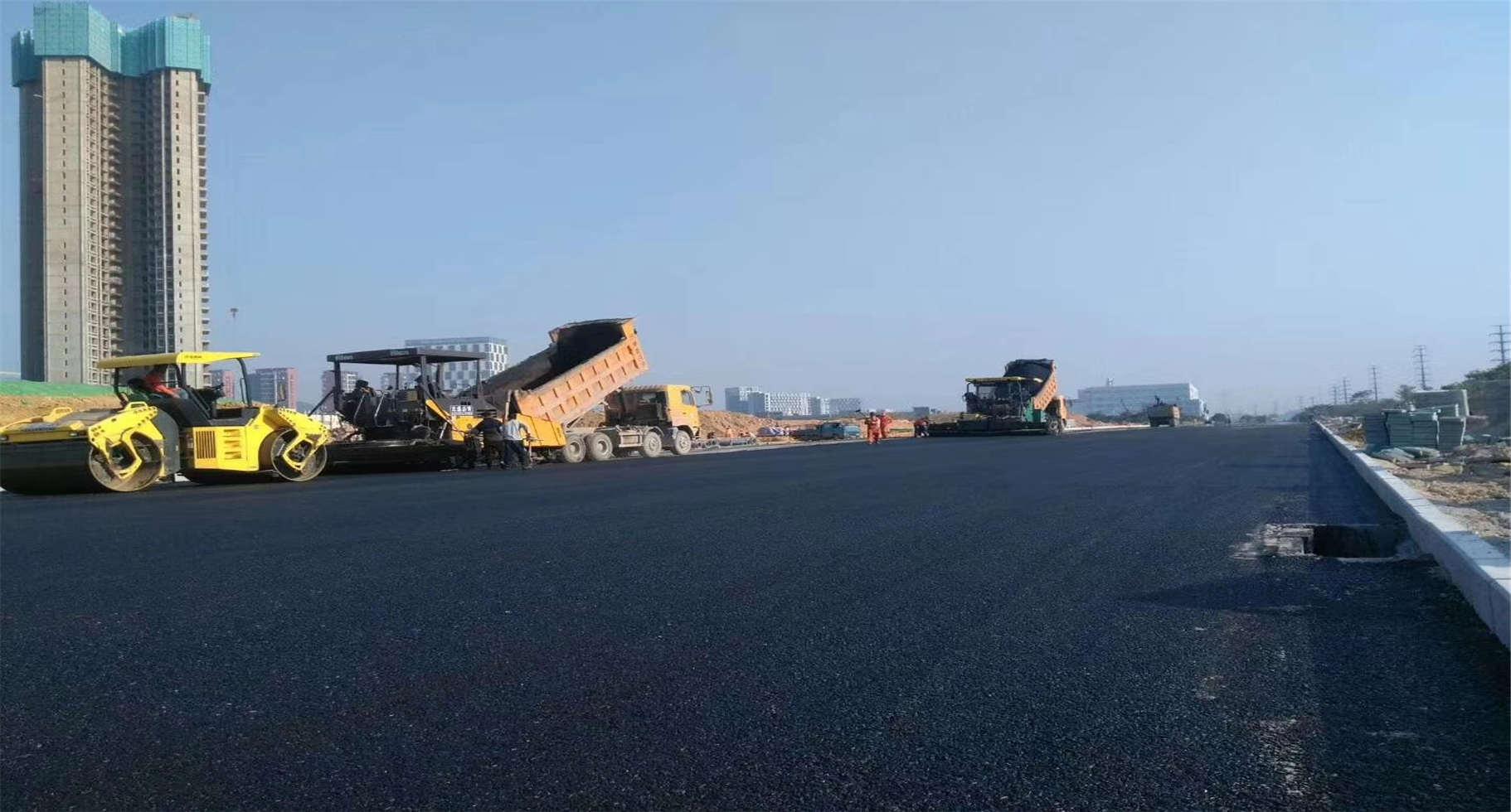 博罗柏油路面施工队承包服务热线,铣刨机